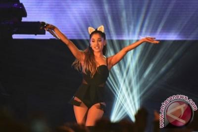 Ariana Grande pulang ke AS menyusul pengeboman Manchester