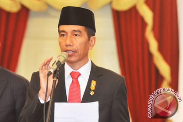 Hadapi situasi ekonomi, Jokowi: jangan bertindak di luar garis