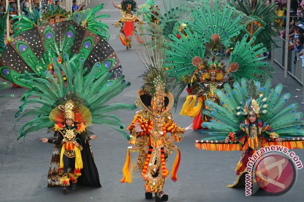 Penampilan Wonderful Artchipelago Carnaval Indonesia Pukau Penonton