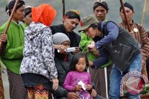 Ribuan wisatawan saksikan ruwatan anak berambut gimbal