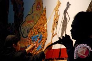 Polres Temanggung lestarikan tradisi pentas wayang kulit