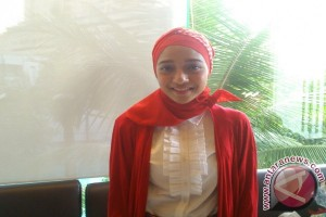 Chiki Fawzi ikut berdoa untuk Madinah