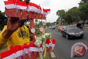 Penjualan bendera Merah Putih marak di Semarang