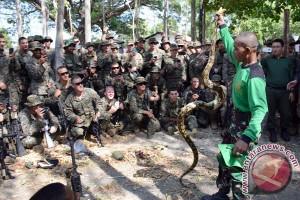 Saling belajar dua korps marinir di CARAT 2015