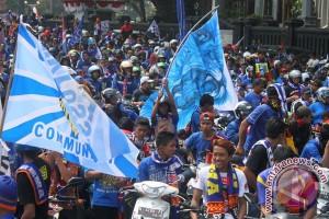 Polisi kawal ribuan Aremania hingga Jakarta