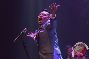 Sejumlah musisi ternama ramaikan konser Rio Febrian