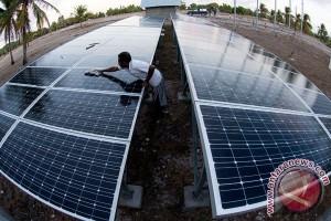 Warga pesisir Kowane Selatan nikmati listrik tenaga surya