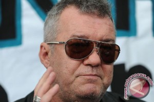 Aussie rocker Jimmy Barnes narrowly escapes Bangkok bomb