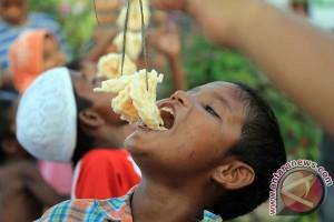 Lomba Makan Kerupuk Etnis Rohingya