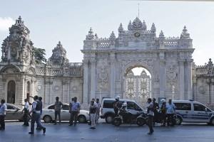 Polisi Turki gerebek 51 perusahaan terkait Gulen