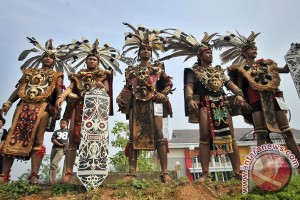 Equator Carnival can become new tourism icon for Pontianak: Minister