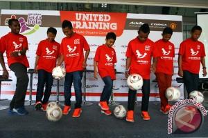 Beasiswa Sepak Bola Ke MU