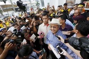 "Mahathir serukan ""kekuatan rakyat"" untuk depak Najib"