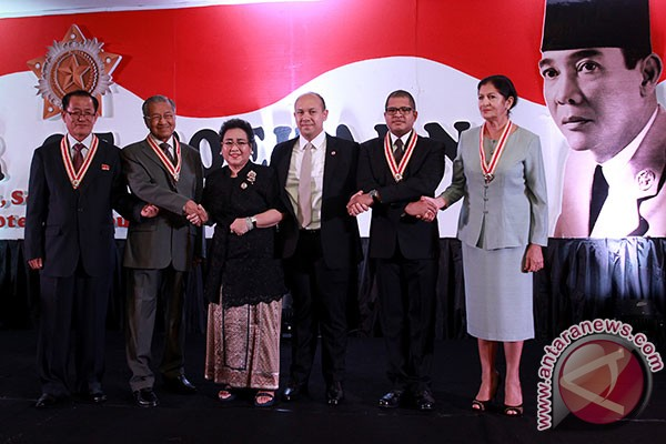Empat tokoh dunia dianugerahi The Star of Soekarno