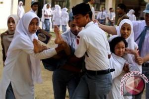 Puluhan pelajar SMP kesurupan