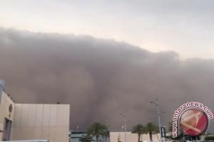 Embarkasi Batam ingatkan jemaah kurangi aktivitas luar karena cuaca ekstrem