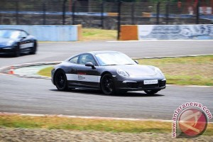 Porsche World Road Show 2015 Indonesia, berhentilah bermimpi