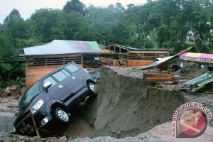 Banjir bandang Aceh Singkil telan korban meninggal