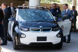 "Divisi ""i"" BMW kini garap mobil swakemudi"