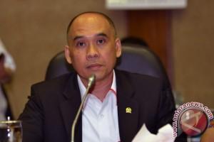 Anggota DPR: hati-hati mengubah ketergantungan dolar