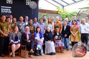 SAP transfer knowledge untuk 3 sekolah di Surabaya