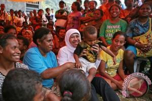 Mensos Kunjungi Korban Gempa Sorong
