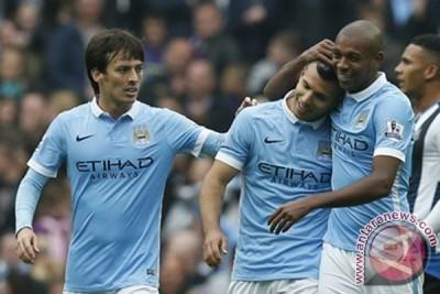 Aguero cetak lima gol, City pimpin klasemen