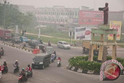 Kabut asap tipis selimuti Kota Pekanbaru