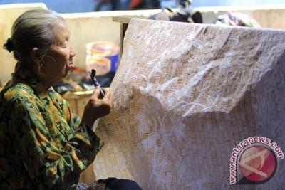 Perajin Batik Tradisional