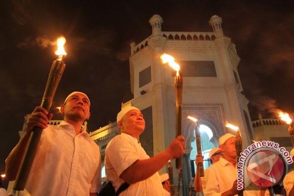 Warga Muntok gelar pawai obor sambut Ramadhan