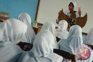 Bantuan Orang Tua Asuh Yogyakarta mulai sentuh SMP dan SMA