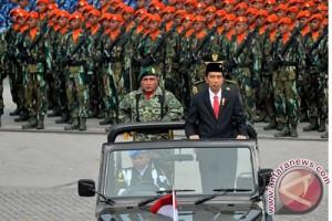 KRI Dewaruci disambut gemuruh tamu HUT ke-70 TNI
