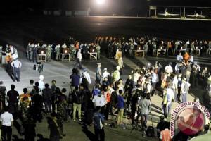 Evakuasi Korban Pesawat Aviastar