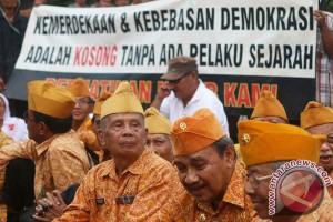 """Ridwan Kamil upayakan """"uang kadeudeuh"""" untuk veteran"""