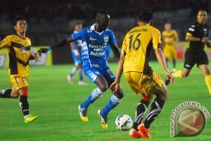 Membuka lembaran baru sepak bola Indonesia