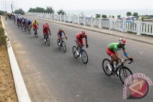 Pebalap Tour de Singkarak akan tempuh 122,8 km etape tiga