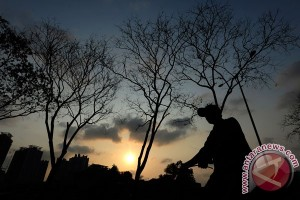 Monsoon begins to take toll on Indonesia