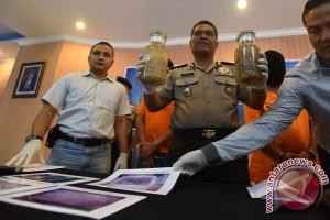 PN Denpasar sidangkan pelaku perdagangan benih lobster dilindungi