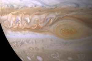 Hubble tangkap perubahan di titik merah Jupiter