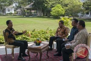 Setahun pemerintahan : wawancara khusus dengan Presiden Jokowi