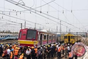 KRL Bekasi-Jakarta Kota anjlok