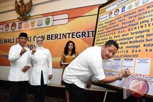 PDIP Surabaya temukan pelanggaran kampanye Rasiyo-Lucy