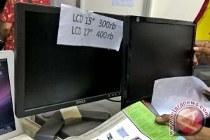 Berburu laptop dan LCD bekas Rp300.000 di Indocomtech