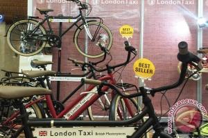 Sepeda London Taxi dan Ferrari ikut mejeng di JAS 2015
