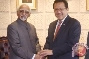 Wakil presiden India tertahan di Bali