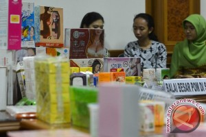 14.680 kosmetik berbahaya disita di Ambon