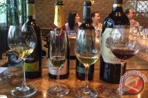 Sebotol anggur australia berumur 66 tahun terjual Rp545 juta