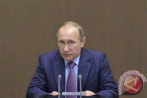 Polisi bersenjata Rusia geledah kantor-kantor pengeritik Putin