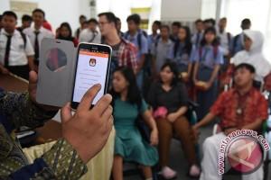 Ketua KPU Belanda bagi pengalaman di Universitas Andalas