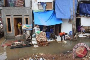 Banjir genangi sejumlah wilayah di Jakarta